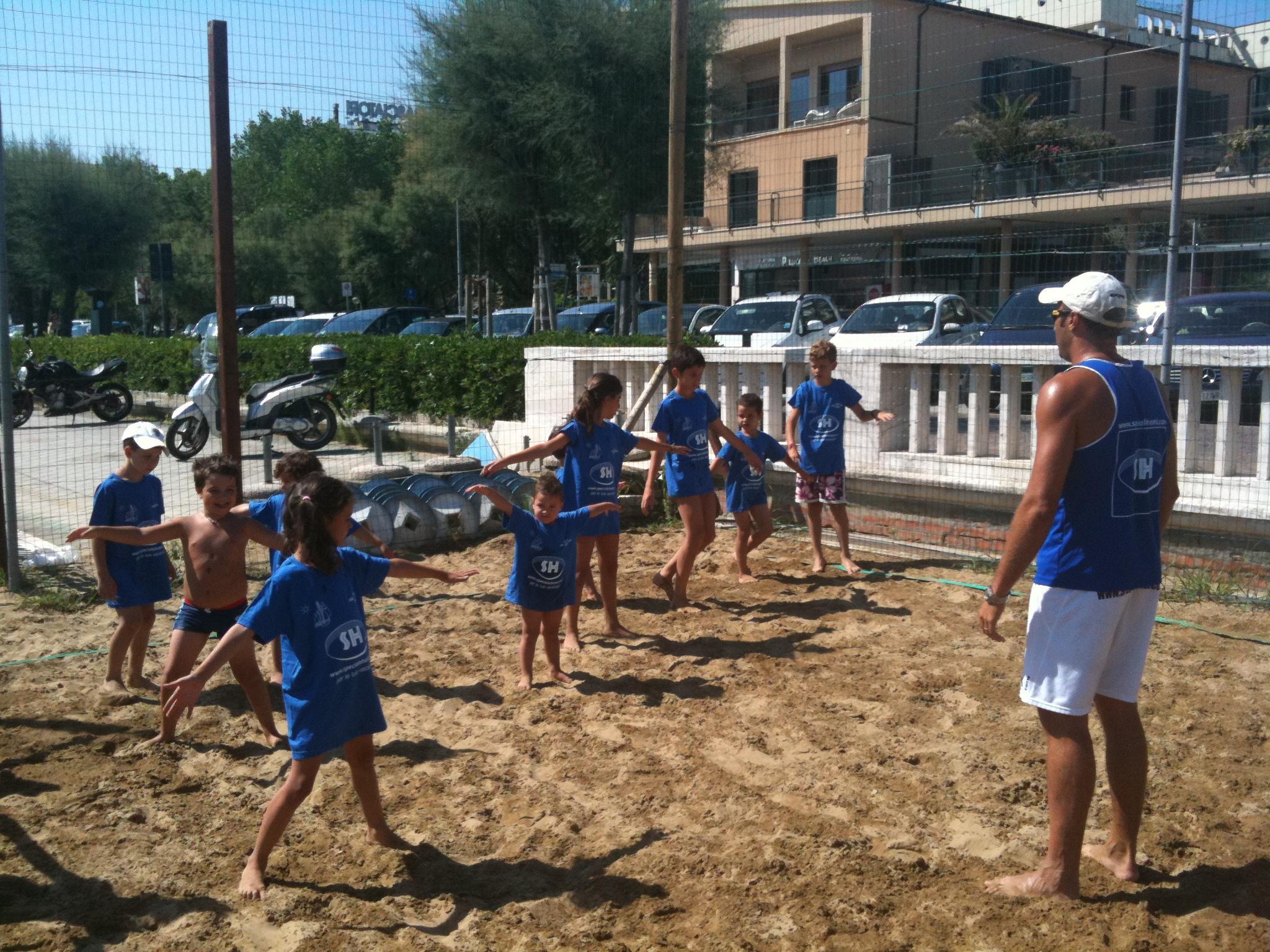 Beach camp bagno 18 rimini marina centro mini beach volley beach volley emilia romagna - Bagno 18 rimini ...